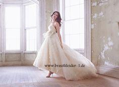 Anmutiges Vokuhila Brautkleid Online