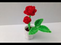 This is the third part of the pipe cleaner rose pot tutorial. In this part I make the leaves. The leaves are made of two parts: one leaf on the stem, and two...