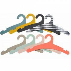 Prachtige kleuren, deze hangers van karton!