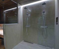 Kaksivärinen hartsipinnoite suihkutilassa.