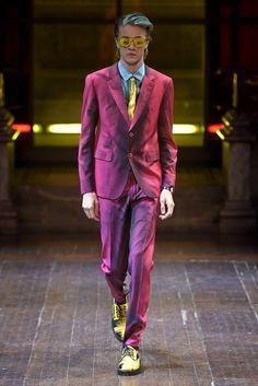 【ルック】「モスキーノ」2016-17年秋冬ロンドン・メンズ・コレクション | 2016-17 FW LONDON MEN'S COLLECTION | MOSCHINO | COLLECTION | WWD JAPAN.COM