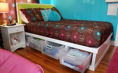 Double storage bed with lots of under bed storage using Sterilite plastic drawers Double Bed With Storage, Twin Storage Bed, Truck Bed Storage, Small Bedroom Storage, Under Bed Storage, Wire Storage Shelves, Plastic Storage Drawers, Underbed Storage Drawers, Plastic Bins