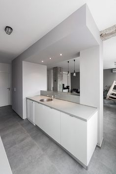 Minimalistische Andreja Bujevac 21 Schwarz Weiß (15) Küche Esszimmer Bereich