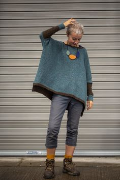 two-shade Strathendrick – Kate Davies Designs - Love Yarn Simply Knitting, Beginner Knitting, Look Fashion, Womens Fashion, Knitting Patterns, Knitting Wool, Loom Patterns, Knitwear, Knit Crochet