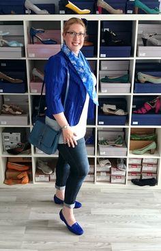 Sarah Grossartig im plussize German Curves Outfit mit Damenschuhen in Übergröße Plus Size Outfits, Duster Coat, Curves, Challenges, Jackets, Fashion, Blue, Colors, Large Size Clothing