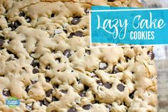 Lazy Cake Cookies - Only 4 ingredients and two minutes befor.- Lazy Cake Cookies – Only 4 ingredients and two minutes before it's in the oven! Lazy Cake Cookies, Yummy Cookies, Cookies Et Biscuits, Cake Mix Recipes, Cookie Recipes, Dessert Recipes, Quick Dessert, Easy Desserts, Delicious Desserts