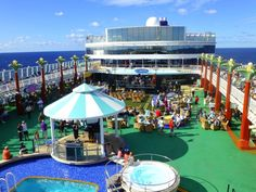 The pool deck on the Norwegian Pearl is a great place for concerts at sea