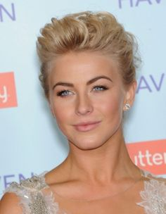 Julianne Hough arrives to the 'Safe Haven' Hollywood Premiere in Hollywood, CA #beauty #makeup #celebrity