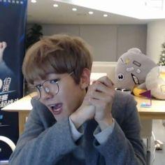 I love him . #exo #exok #exom #exol #baekhyun #pikachu #byunbaekhyun #baekhyun_videos #백현 #변백현 #엑소 #baekoody