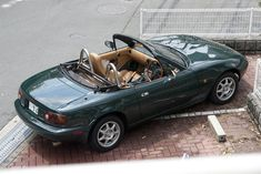 File:Mazda Eunos Roadster V-special Green.jpg