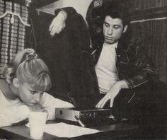 grease, John Travolta, and olivia newton john image Grease 1978, Grease Movie, Grease 2, Grease Sandy, Movie Photo, Movie Stars, Movie Tv, Grease John Travolta, Sandy And Danny