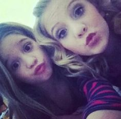 Paige and Mackenzie :) Dance Moms Dancers, Dance Moms Girls, Mackenzie Ziegler, Brooke And Paige Hyland, Indoor Play Places, Abby Lee, Group Pictures, Dance Company, Friends Mom