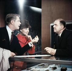 George Peppard, Audrey Hepburn and John McGiver in Breakfast at Tiffany's
