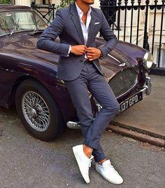 Schöner Anzug und dazu passende Schuhe