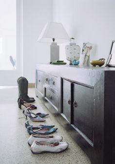shoe cabinet/display