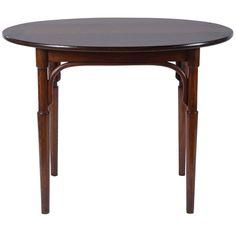 Oval Mahogany Thonet Table 1