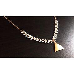 """Collier minimaliste """"Victoire"""" - pendentif triangle - chaîne épis - Bijoux G.emma - Bijoux minimalistes et fantaisies - pierres semi-précieuses"""