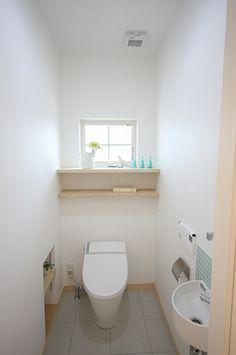 お子様の体を1番に考えスッキリシンプルな健康住宅なお家 Bathroom Toilets, Washroom, Natural Interior, Ideal Home, Kitchen Remodel, Color Pop, House Plans, Ikea, Home Decor