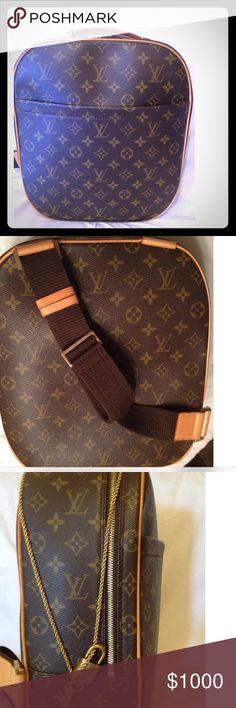Louis Vuitton GM shoulder bag Monogram canvas LV Rare shoulder bag in excellent condition. Louis Vuitton Bags Shoulder Bags