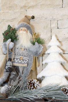 Neutral Santa Decor