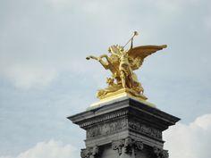 Statue près du quai d'Orsay
