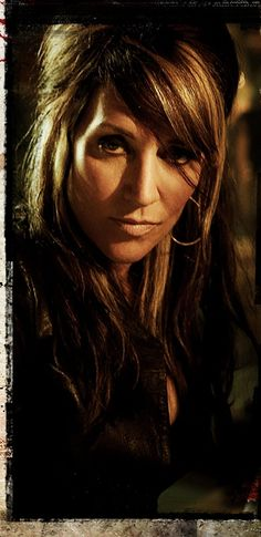 Gemma Teller (Sons of Anarchy) .... such an attractive older woman.