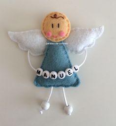 Broche angelito de la guarda de fieltro para el cochecito, la cuna, bautizos...