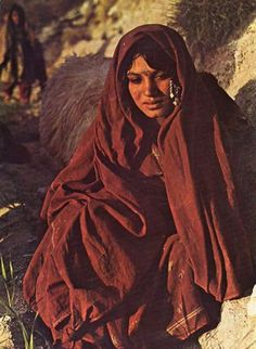 Nomad woman, Afghanistan (undated) (Delcampe)