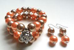 brazalete + aretes semi largos en perlas de colores diseño de color beads.