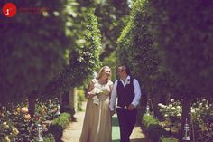 http://www.angelicapeady.com.au/2012/12/17/angelica-peady-wedding-photography-gemma-and-matt-at-the-turpentine-tree-kurrajong-heights/