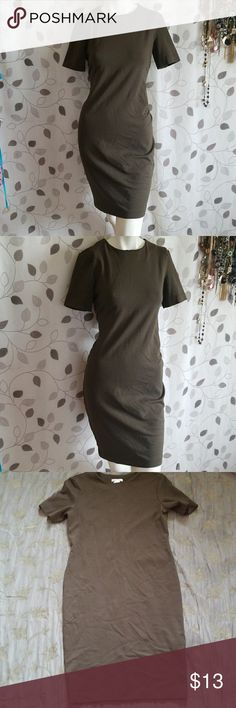 H&M Basic Dress Like new condition  No holes no stains no pilling of material  Soft thick material with lots of stretch Dark army green color Approx 29 in inseam from armpit  17.5 in from pit to pit Check my other listings for similar items  Smoke and pet free home H&M Dresses