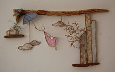 """""""tu pourrais t'envoler !"""" Twig Crafts, Driftwood Crafts, Arts And Crafts, Chicken Wire Sculpture, Stylo 3d, Art Fil, Newspaper Basket, Cardboard Art, Decorating With Pictures"""
