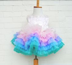 Baby girl clothes floral tutus Ideas for 2019 Baby Girl Birthday Dress, Birthday Dresses, Baby Dress, Luxury Baby Clothes, Trendy Baby Girl Clothes, Baby Pageant Dresses, Little Girl Dresses, Frocks For Girls, Kids Frocks