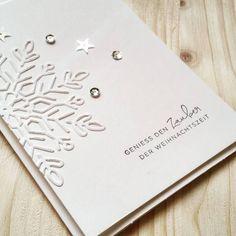 Später als geplant starte ich in die kreative Weihnachtszeit. Die ersten Weihnachtskarten sind entstanden, denn der Kartenständer muss ...