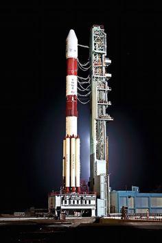 https://spaceflightnow.com/2018/04/11/photos-pslv-poised-for-navigation-satellite-launch/