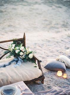 Photography: Jen Wojcik Photography - jenwojcikphotography.com  Read More: http://www.stylemepretty.com/2015/03/13/breathtaking-seaside-wedding-inspiration/
