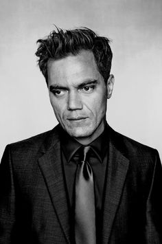 share any good pictures of Michael Shannon here. Michael Corbett Shannon is an American actor and musician. Vote for the best Shannon photo. Wonder Man, Digital Light, Michael Shannon, Head & Shoulders, Martin Freeman, Actors & Actresses, Beautiful Men, Portrait Photography, That Look