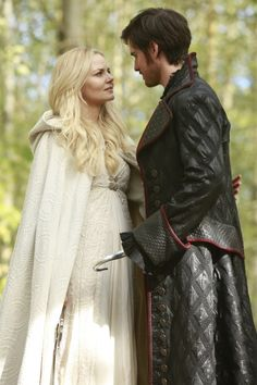 """Once Upon a Time - Killian and Emma in 5.08 """"Birth"""""""