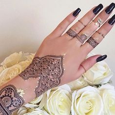 @helly_luv @shophudabeauty henna sticker tattoos Repost @queen_hudakattan