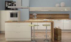 kleine Kücheninsel - Stauraum - Barelement mit Sitzmöglichkeit