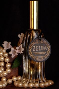 Zelda by En Voyage Perfumes is a woody, floral, warm, spicy Oriental fragrance with bergamot, spice notes and galbanum in the top. Magnolia and floral notes in the middle. Amber, musk, vanilla, peru balsam, sandalwood, vetiver, cedar and mousse de chene in the base. - Fragrantica