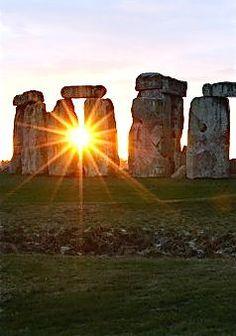 Stonehenge at summer solstice https://ianneateblog.wordpress.com/