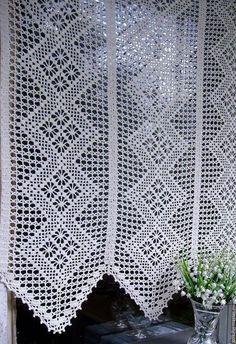 Risultati immagini per graficos cortinas em croche Filet Crochet, Crochet Motifs, Crochet Chart, Knit Crochet, Crochet Patterns, Crochet Curtain Pattern, Crochet Curtains, Curtain Patterns, Crochet Needles