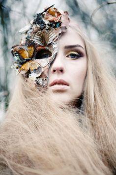 Fashion editorial test by Lara Jade / Make-up by Keiko Nakamura / Hair styling by Limoz Logli