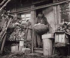 Martin Martinček: Príbeh opusteného manžela IV.:1968 - 1970 Heart Of Europe, Farmhouse Decor, Folk Art, Monochrome, 1970s, History, Country, Nature, People