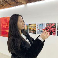 Krystal December 24 2019 at fashion-inspo Krystal Fx, Jessica & Krystal, Krystal Instagram, Krystal Jung Fashion, Idol, Ulzzang Korean Girl, Summer Dress Outfits, Cosmic Girls, Photoshoot Inspiration