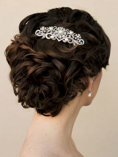 """Hair Comes the Bride - Elegant Rhinestone and Pearl Floral Vintage Comb - """"Leah"""", $62.00 (http://www.haircomesthebride.com/elegant-rhinestone-and-pearl-floral-vintage-comb-leah-1/)"""