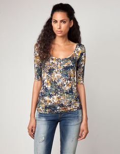 8a2a8db4d36278 Bershka Serbia - Bershka flower T-shirt Floral Tops, Fashion Online, Latest  Fashion