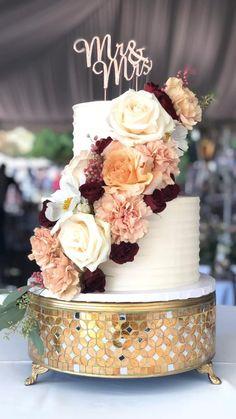 2 Tier Wedding Cakes, Pretty Wedding Cakes, Small Wedding Cakes, Fondant Wedding Cakes, Buttercream Wedding Cake, Floral Wedding Cakes, Wedding Cake Rustic, Wedding Cakes With Cupcakes, Wedding Cake Decorations