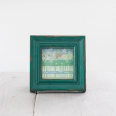 Vintage Style Square Photo Frame from The Other Duckling would make a perfect shabby chic gift for a loved one or just a treat for yourself to spruce up your home decor